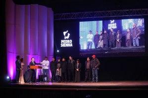 Juan de Dios Larraín recibe Premio Pedro Sienna para El Club.